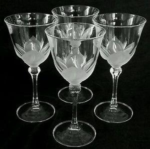 Cristal D'Arques Set Of Wine Glasses